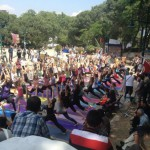 occupy_gezi_protest_scene_yoga_in_gezi-park_2013